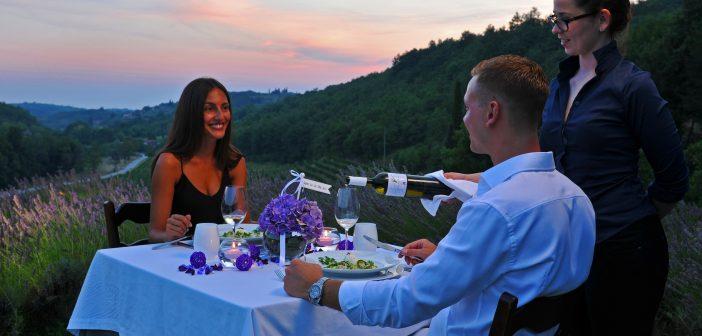 Mediterranes Romantik-Dinner im Design-Weingut